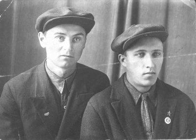 Брат моей бабушки Разиньков Иван Устинович родился на х.Пяткино, проживал в г.Люботин. Его внуки Вячеслав и Вадим живут в Люботине.