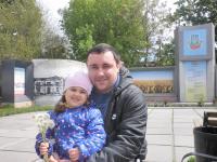 Дмитро Середа зі своєю похресницею Кароліною